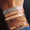 C for Classy bracelets à graver